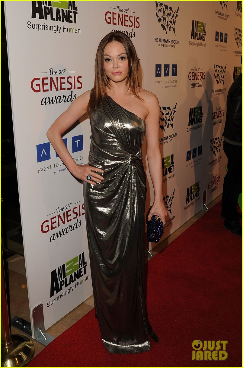sophia bush kesha genesis awards 08