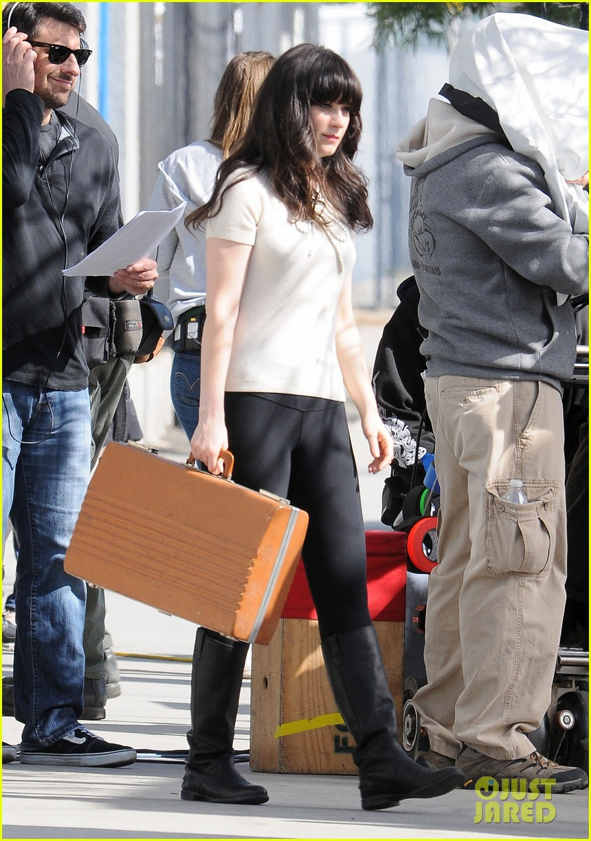 zooey new girl typewriter 14
