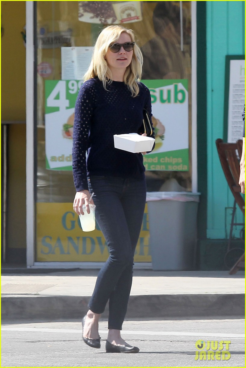 kirsten dunst guy friend lunch 022640890