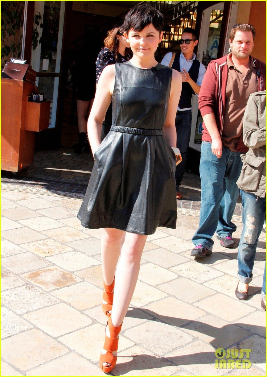 ginnifer goodwin extra appearance at the grove 07