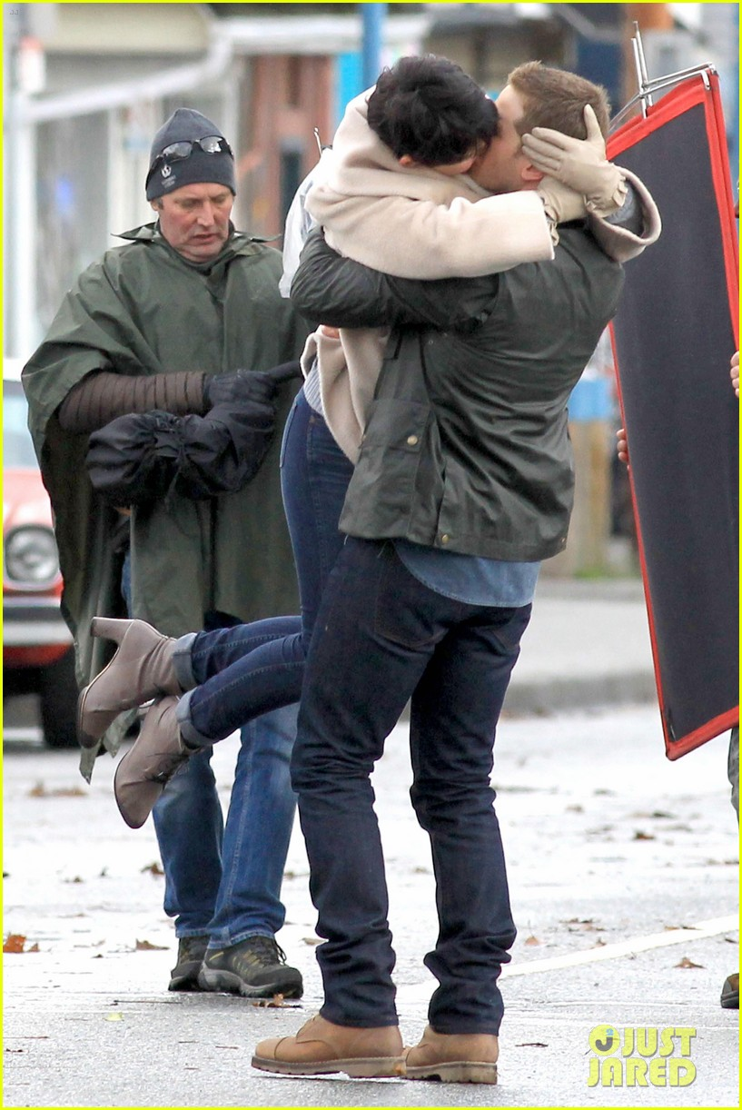 ginnifer josh on set 10