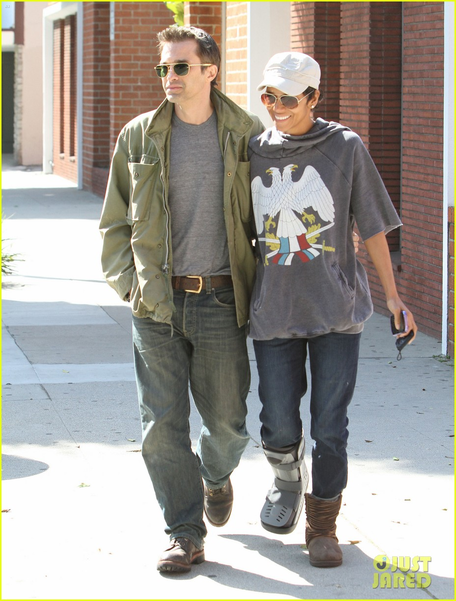 halle berry olivier martinez doctor appointment 06