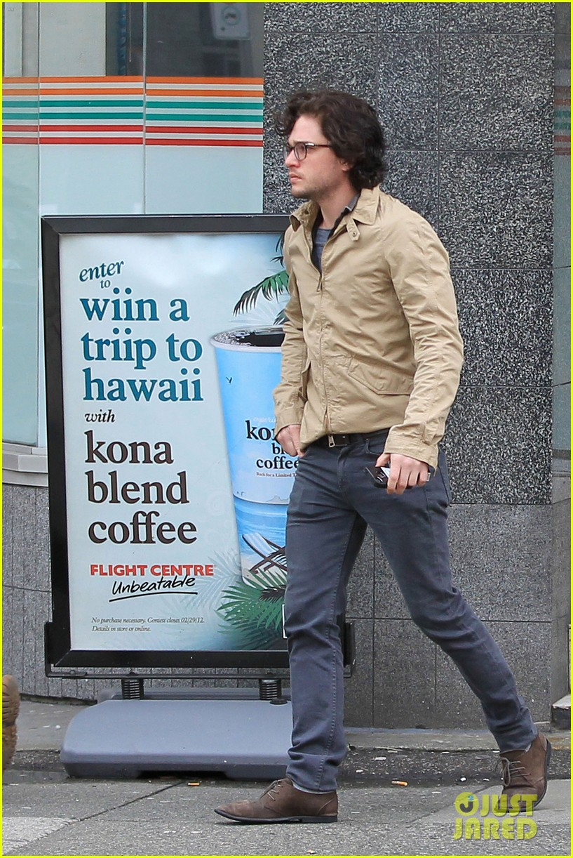kit harington 7 eleven 162640440