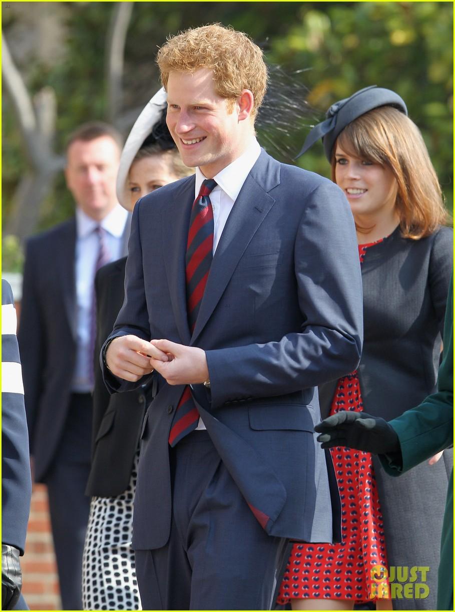 queen elizabeth prince harry church service 04