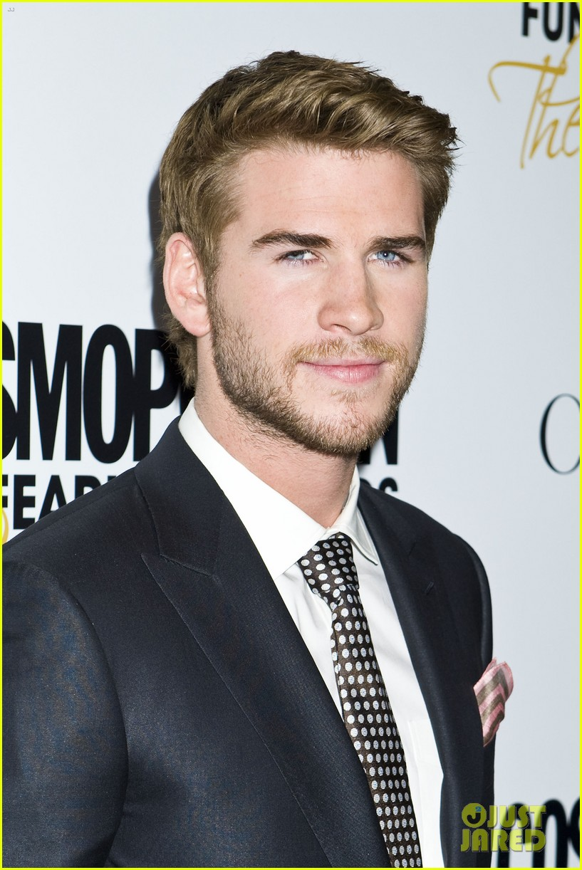 liam hemsworth jesse williams cosmo fun fearless awards 02