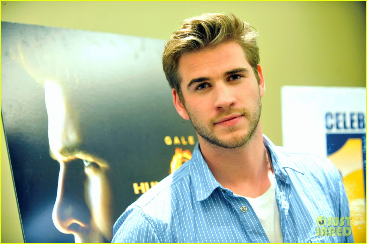 liam hemsworth australians film screening 09