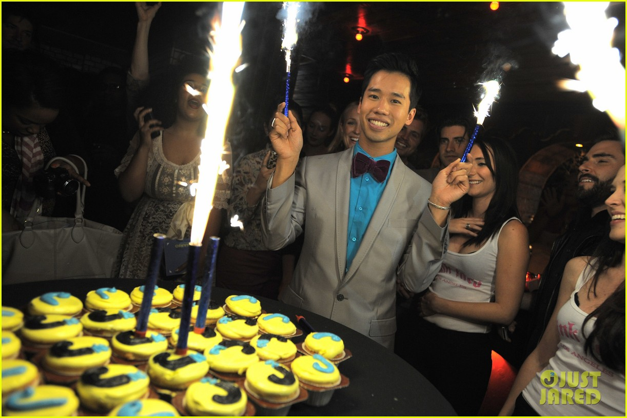 just jared 30 birthday bash 06