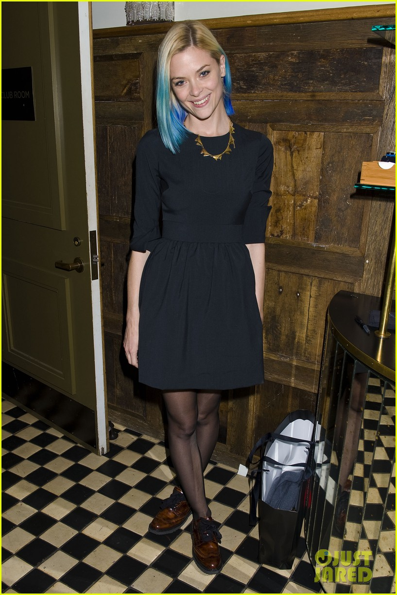 jaime king blue hair kyle newman birthday party 10
