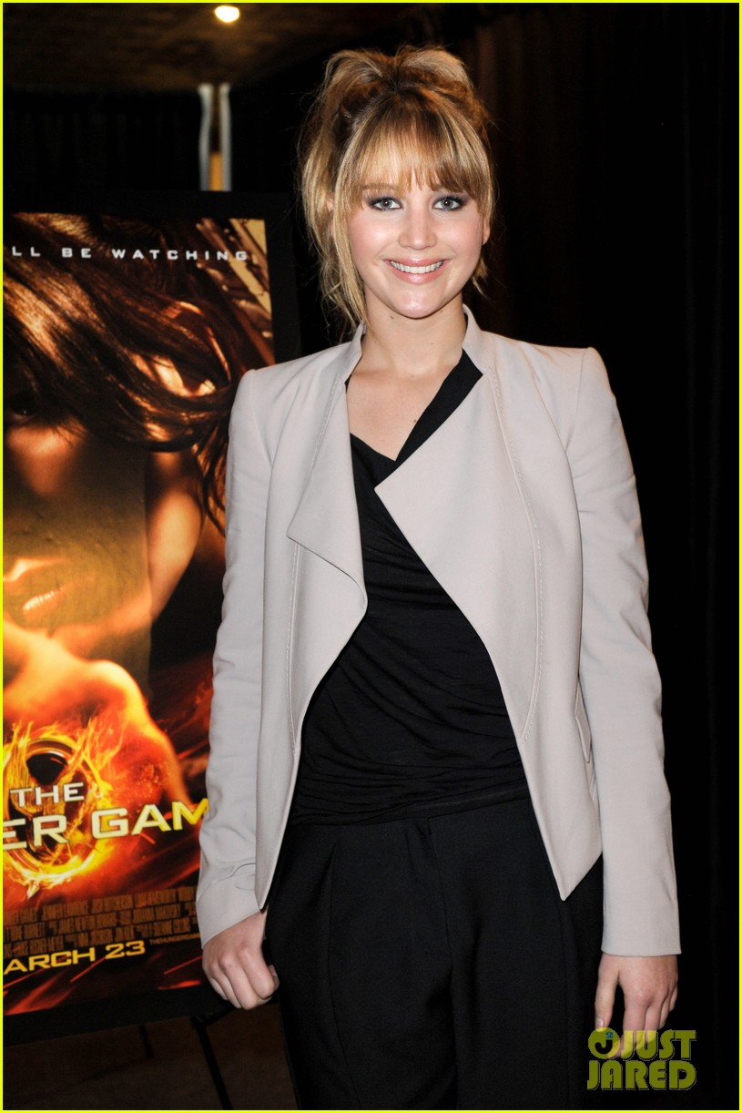 jennifer lawrence broward mall hunger games tour 05