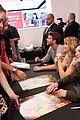 jennifer lawrence kicks off hunger games mall tour 16