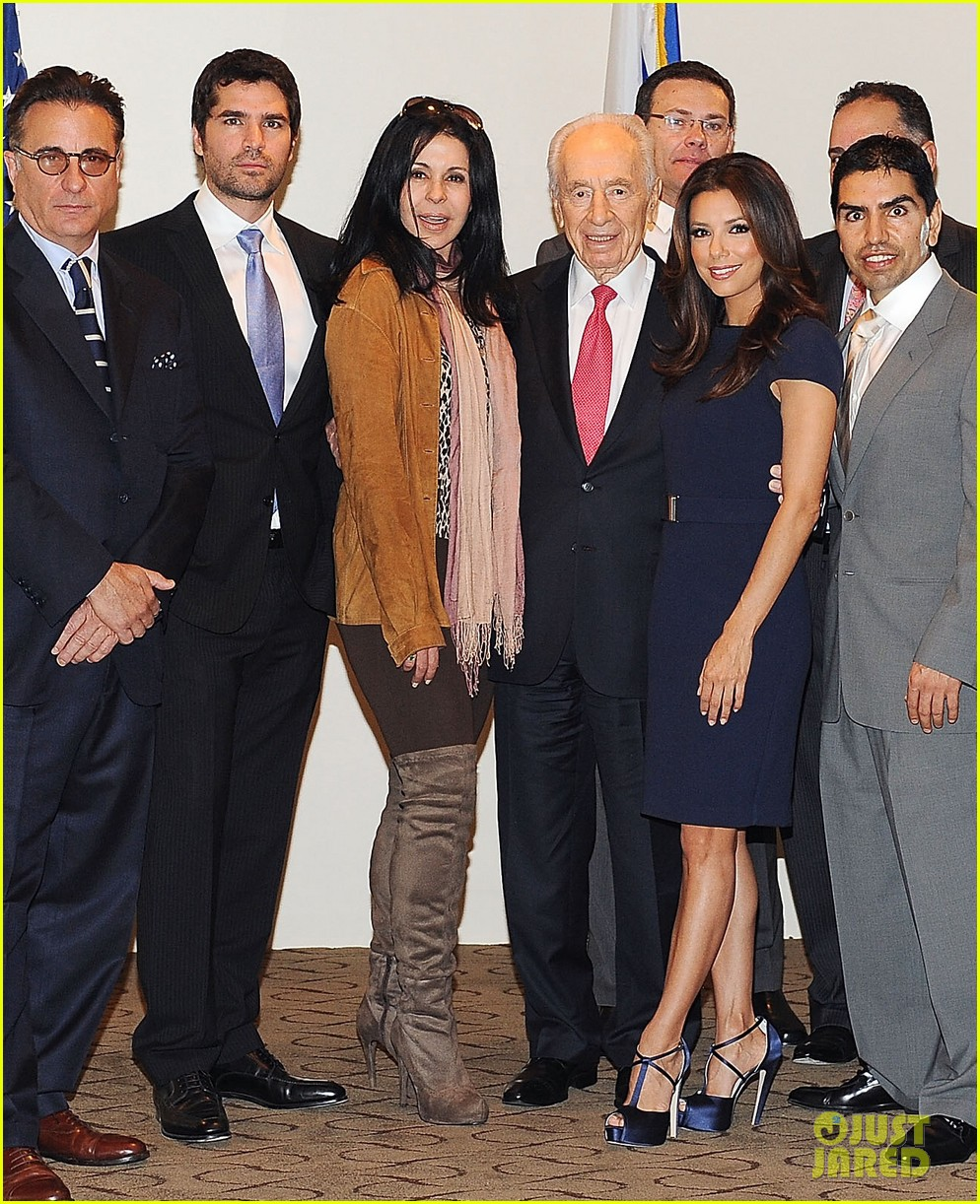 eva longoria shimon peres latino jewish leaders meeting 052638246