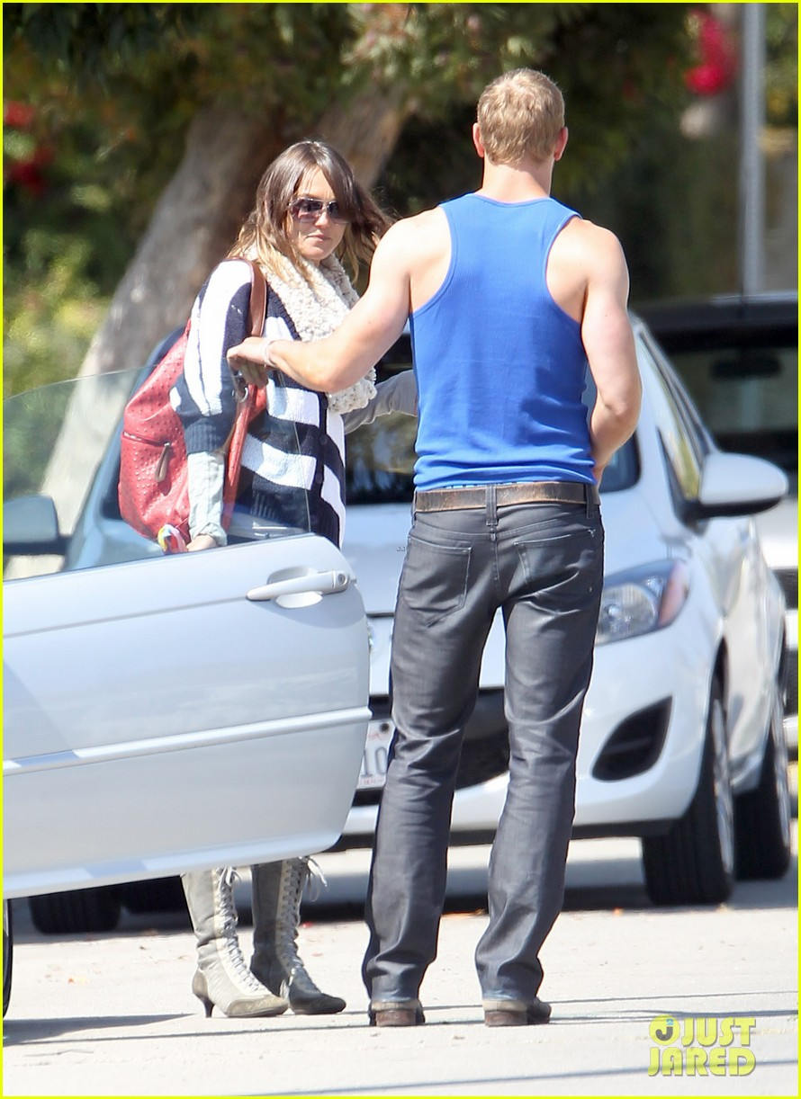 kellan lutz goodbye kiss with sharni vinson 08
