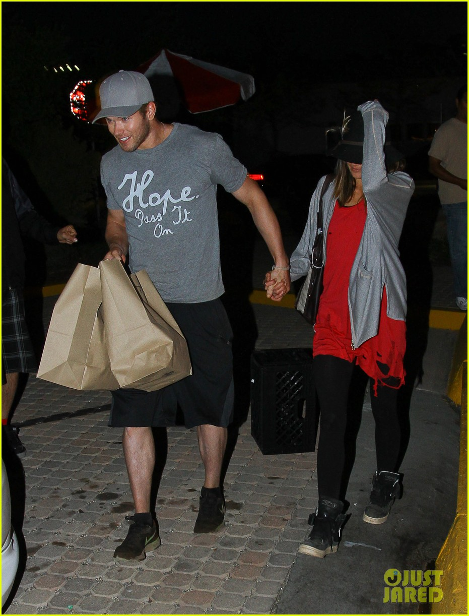 kellan lutz sharni vinson date night 082638103