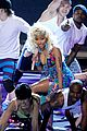 nicki minaj starships live on american idol 03