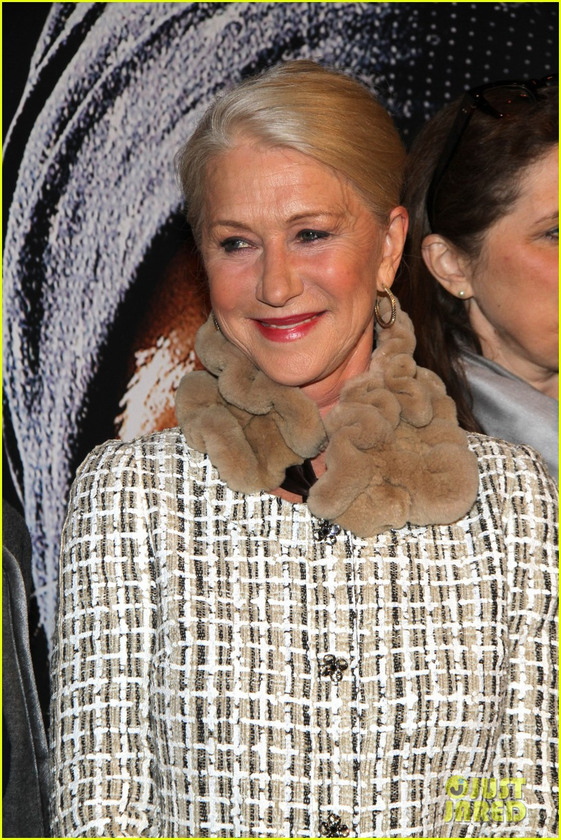helen mirren door berlin premiere 042637635