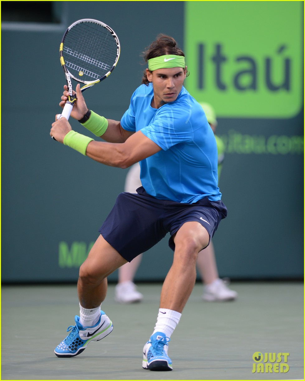 rafael nadal shirtless at the sony ericsson open 01