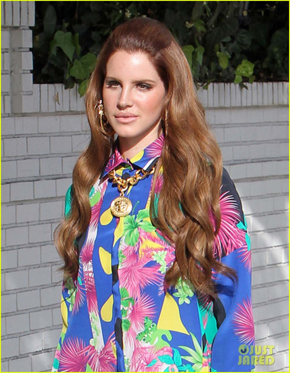 lana del rey colorful photo shoot 09