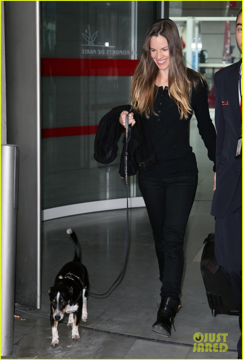hilary swank charles de gaulle arrival 10