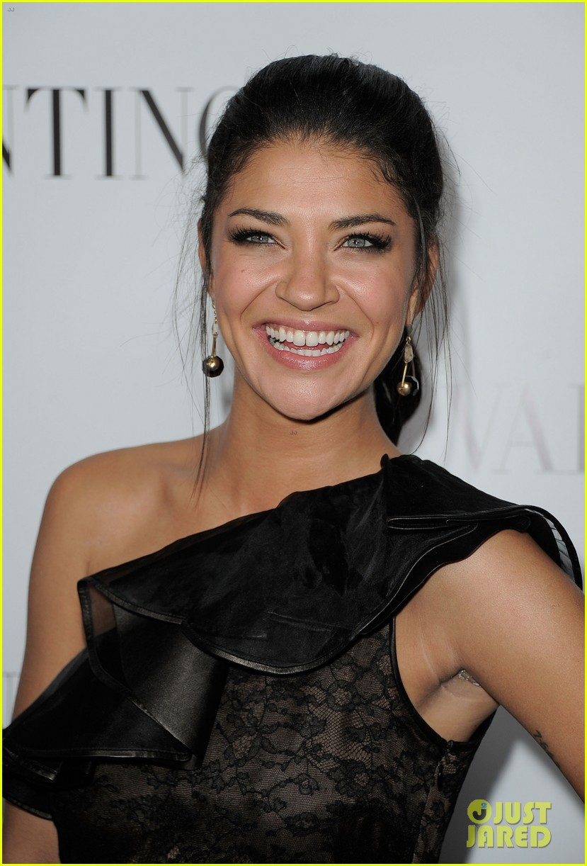 jessica szohr ashley madekwe valentino rodeo drive opening 012643132