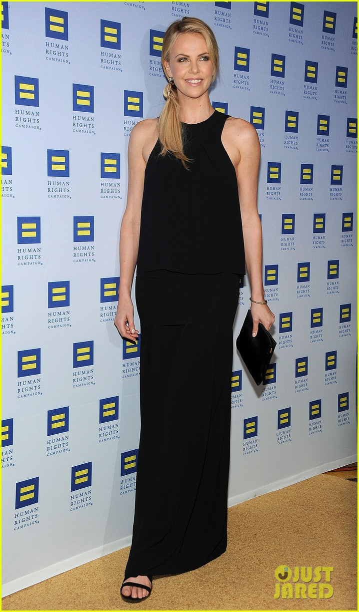 charlize theron hrc los angeles gala 05