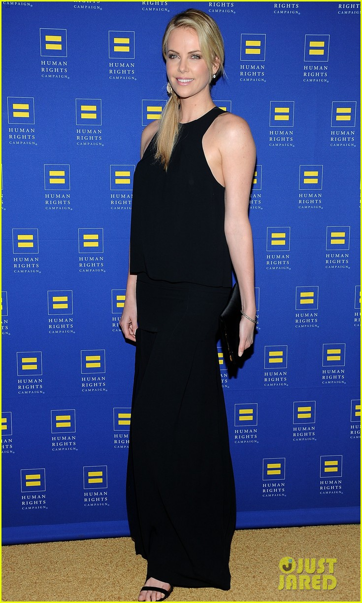 charlize theron hrc los angeles gala 08