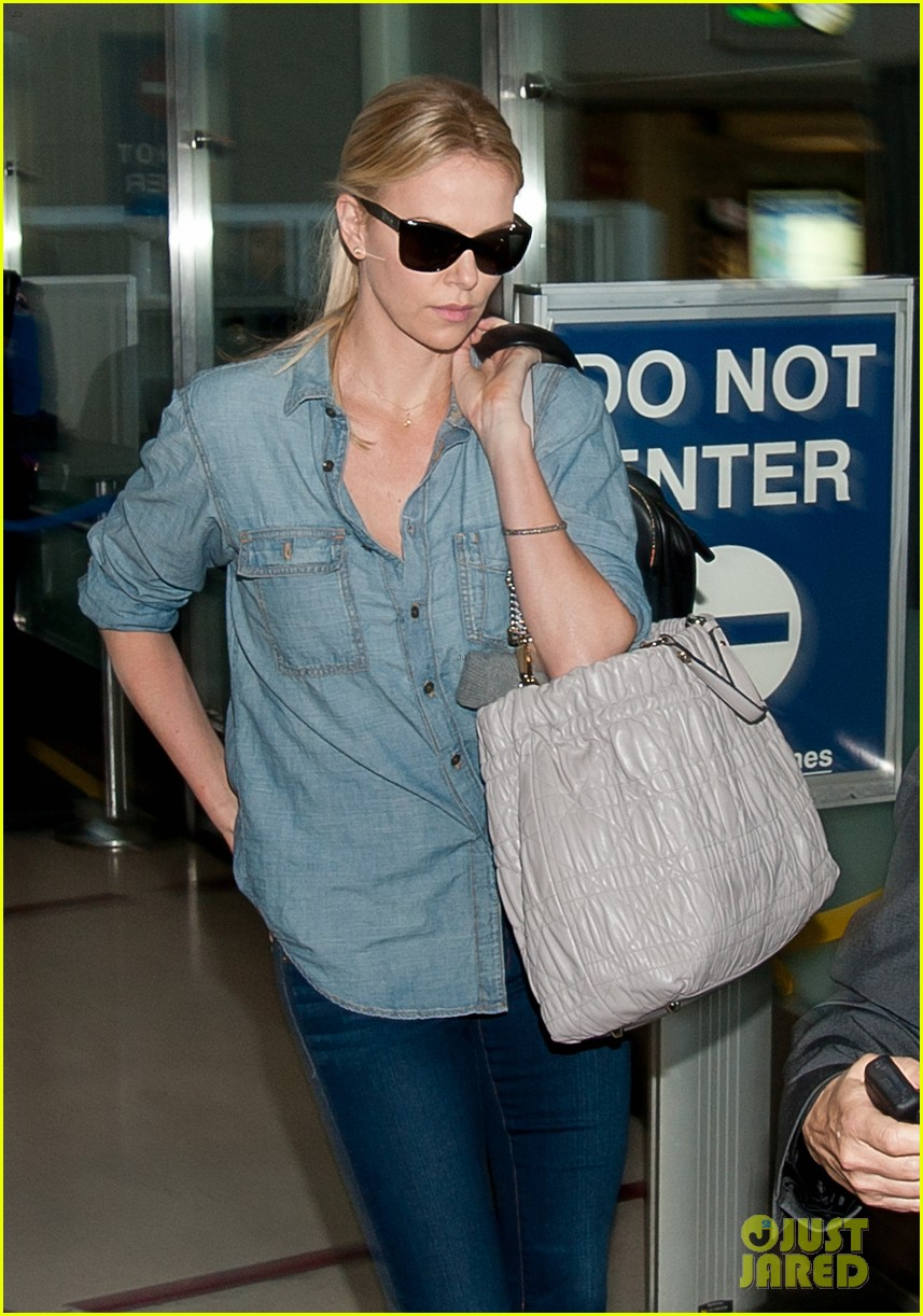 charlize theron kristen stewart return lax 03