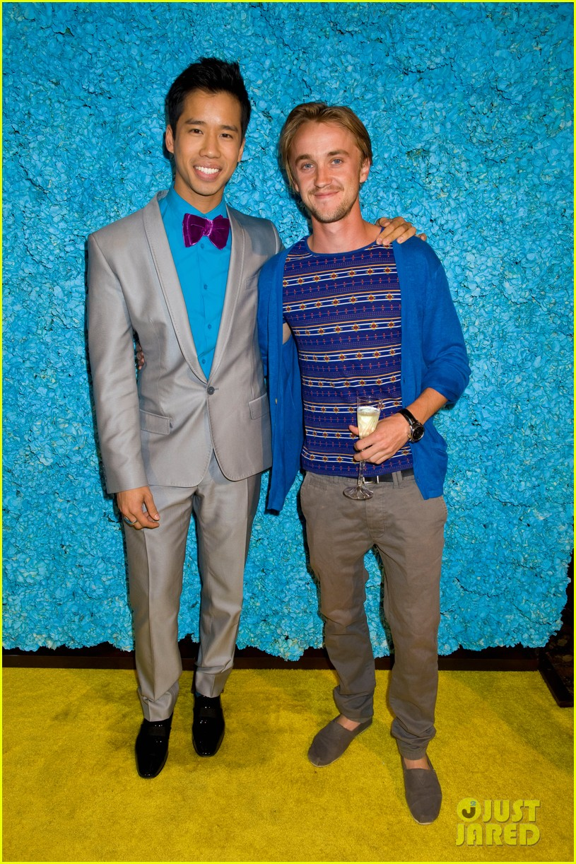 tom felton just jared 30th birthday bash 09