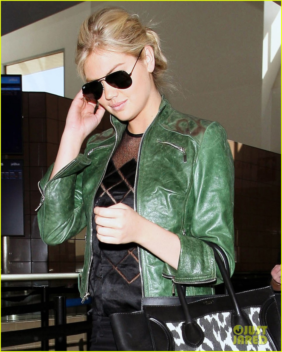 kate upton heading to mexico city 10
