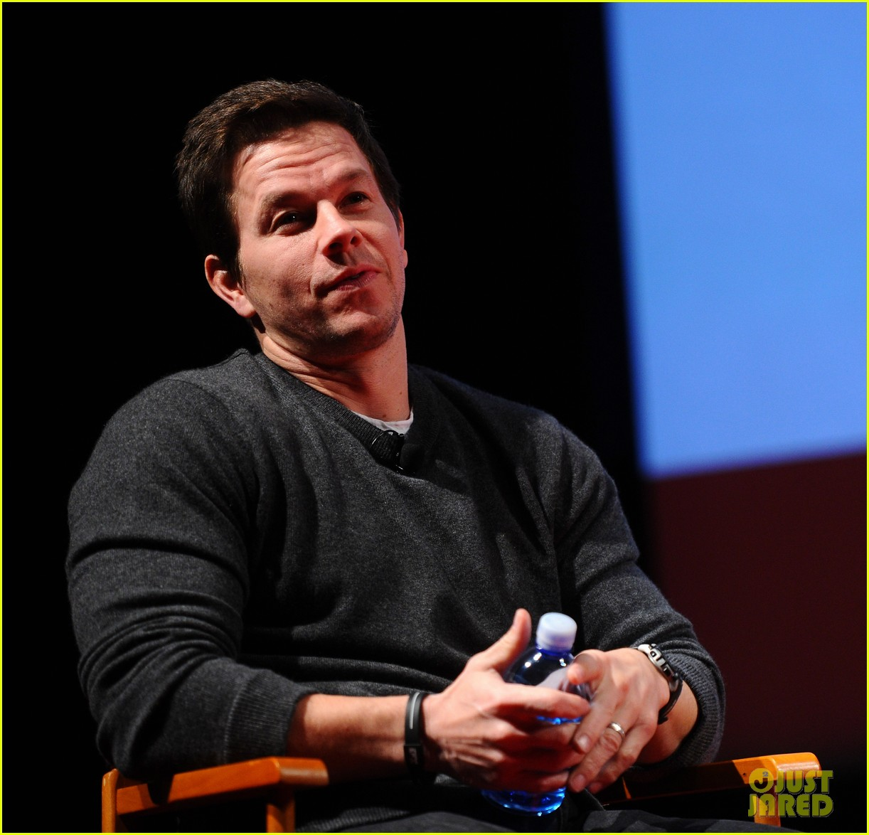 mark wahlberg a conversation with seth macfarlane 07
