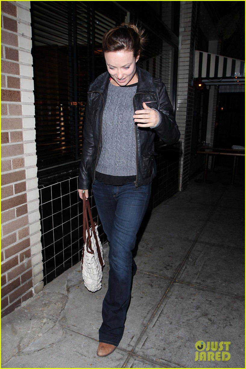 olivia wilde friend evening 01