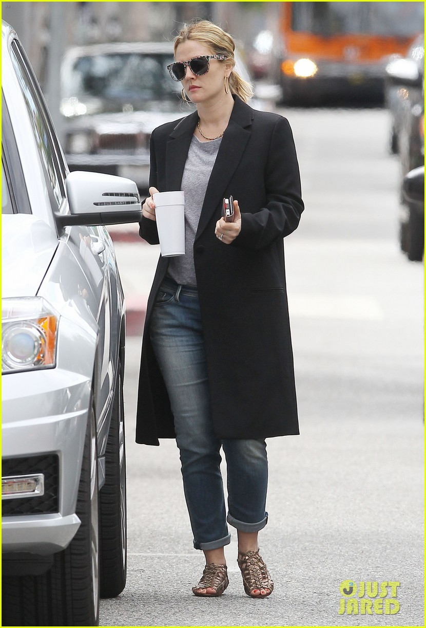 drew barrymore leaving office 09