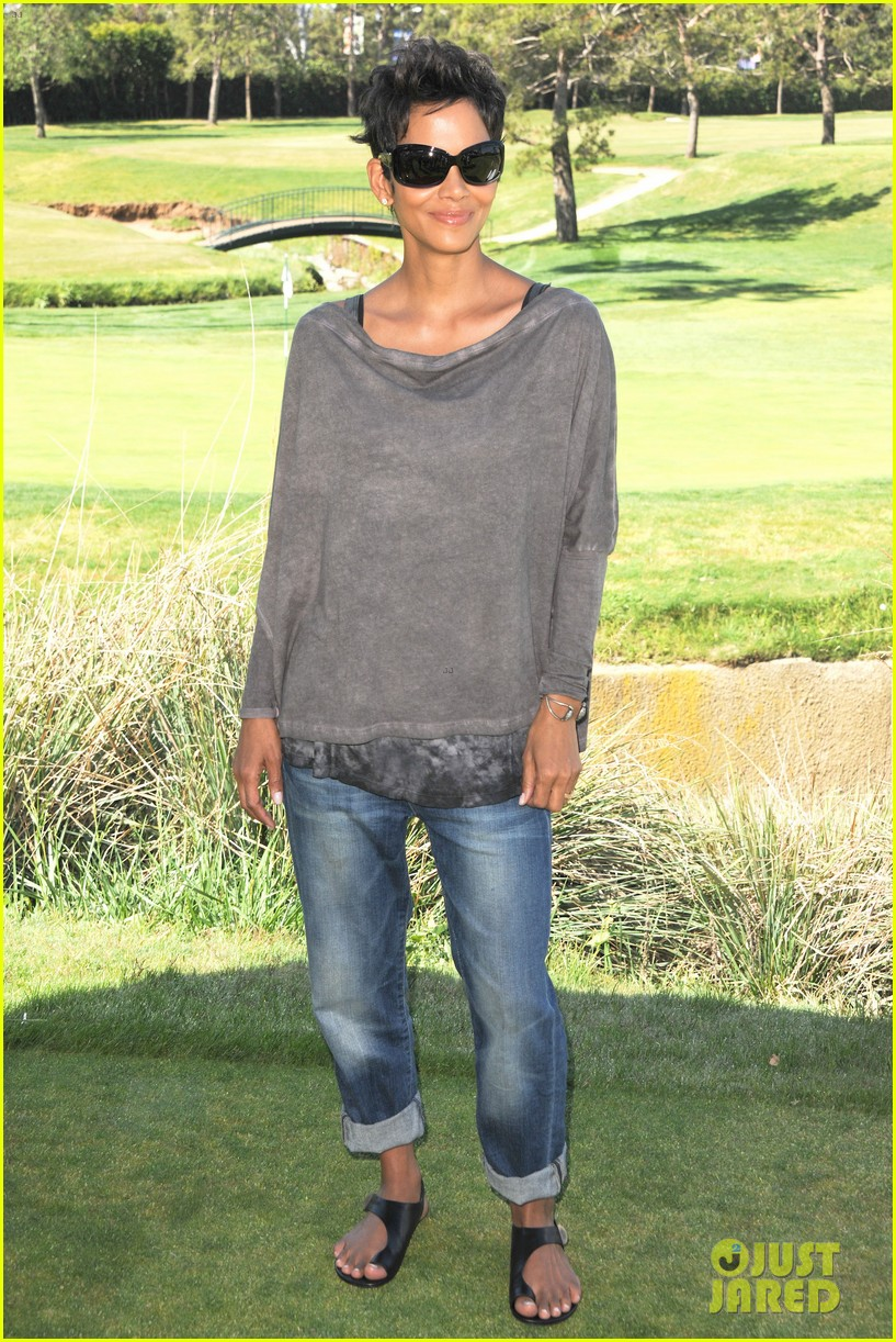 halle berry golf classic 07