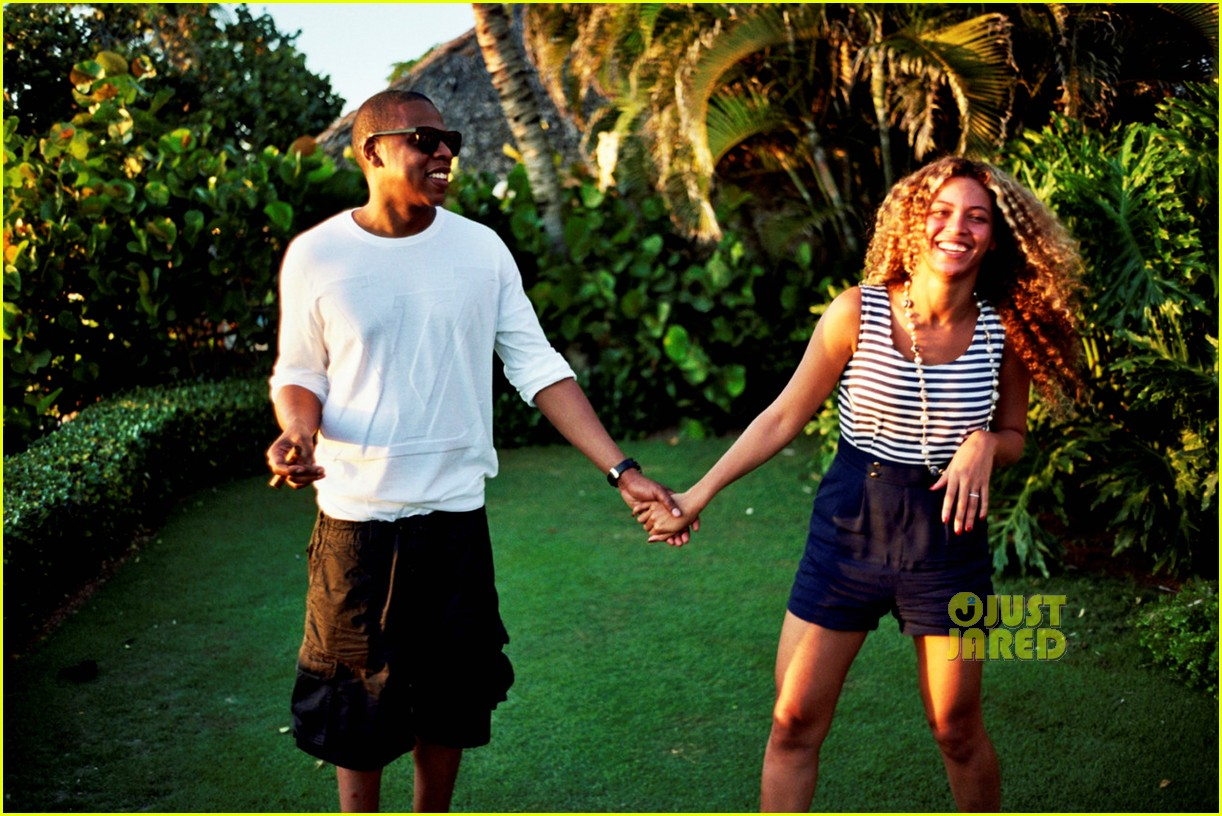 Beyonce's Tumblr Photo Album Revealed! | Beyonce Knowles, Bikini, Jay