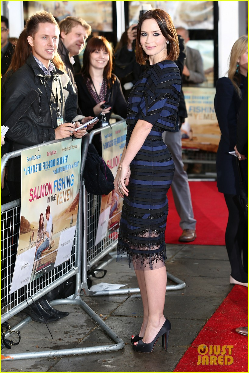 emily blunt salmon fishing london premiere 02