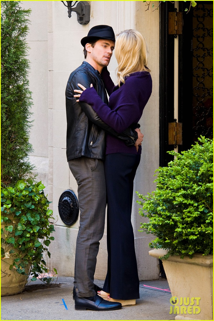 matt bomer laura vandervoort kiss for white collar 13