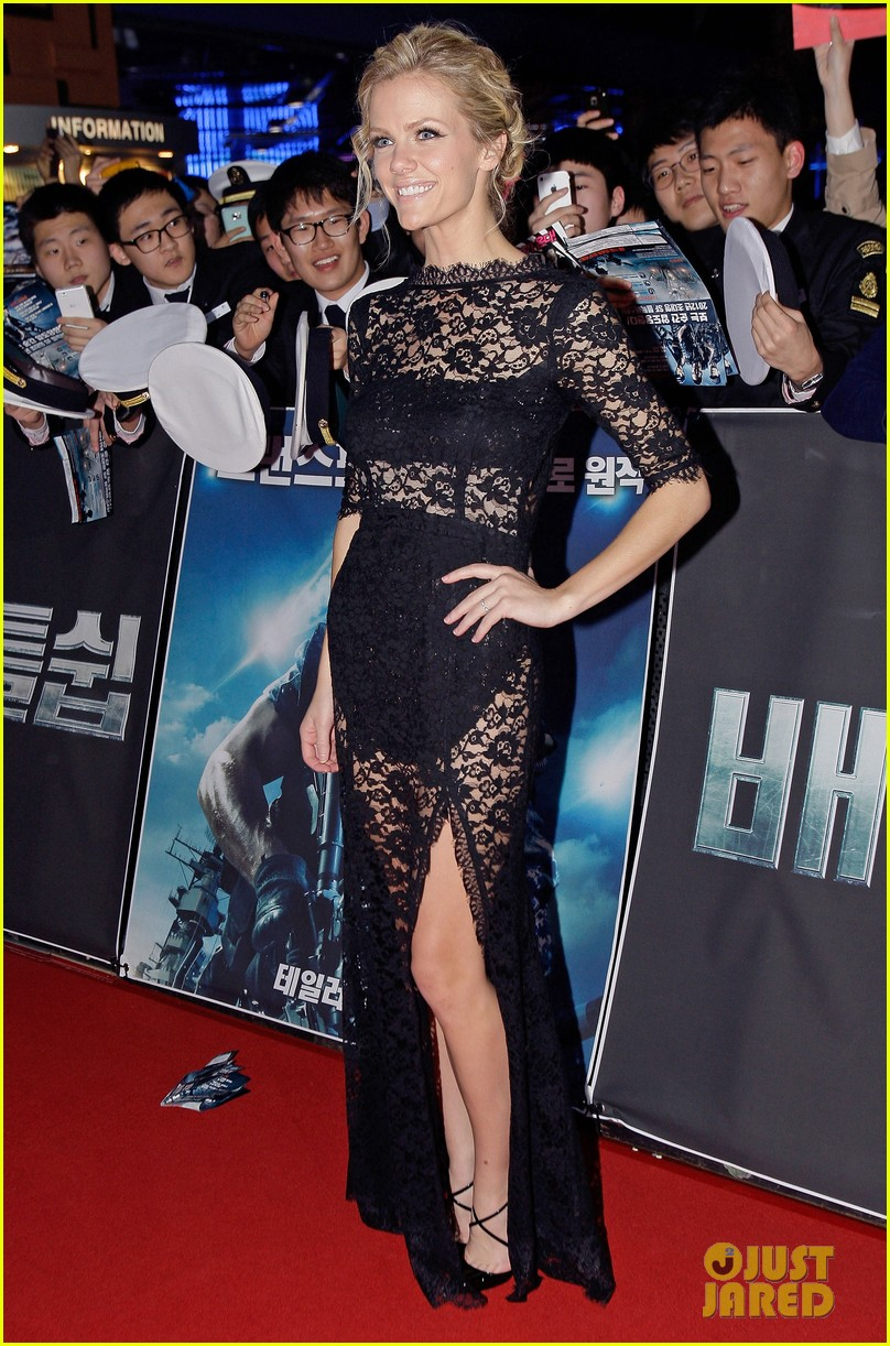 brooklyn decker battleship south korea premiere 03