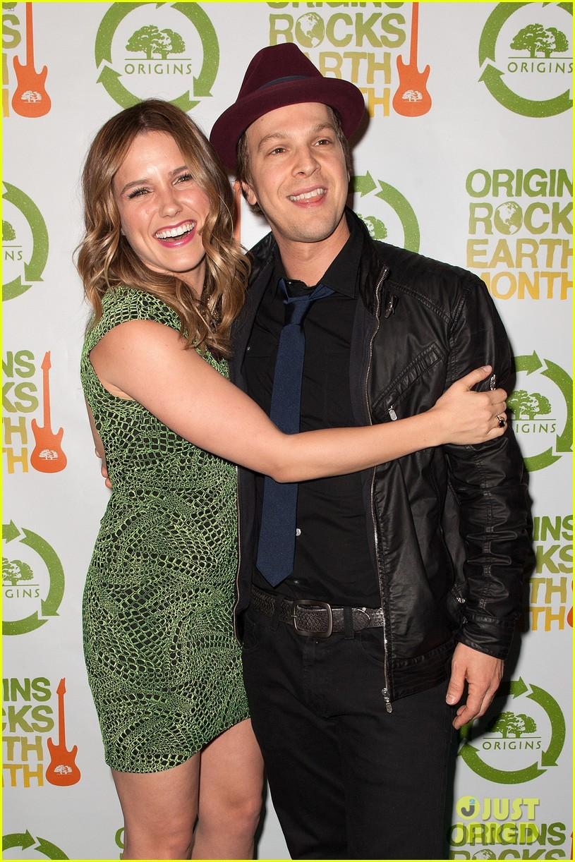 sophia bush origins rocks earth month concert 042650798
