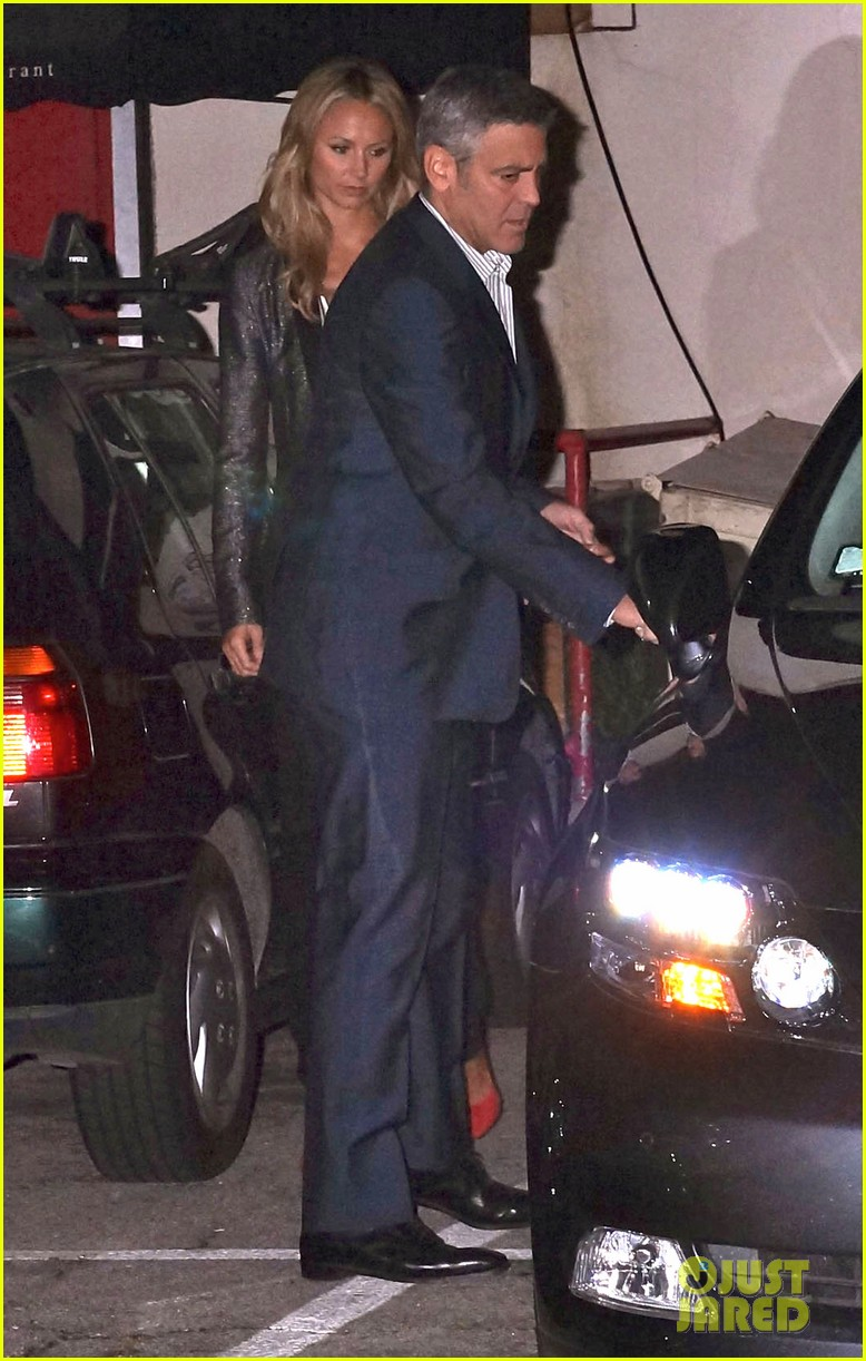 george clooney stacy keibler craigs bar grill date night 04