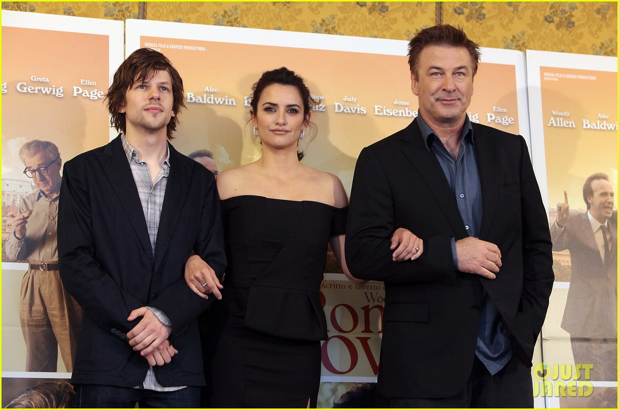 penelope cruz to rome with love photocall 02