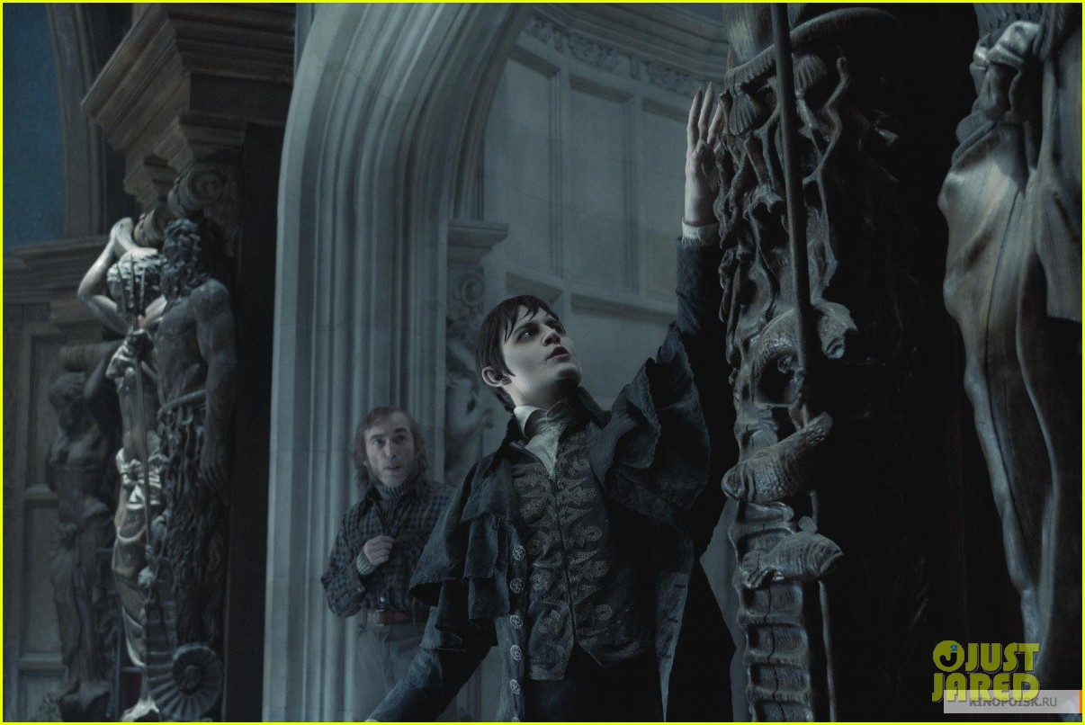 johnny depp dark shadows 21