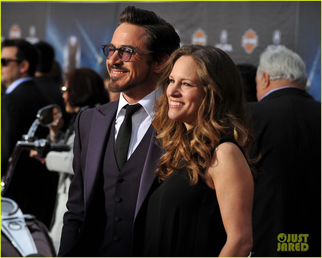 robert downey jr avengers premiere with wife susan 08