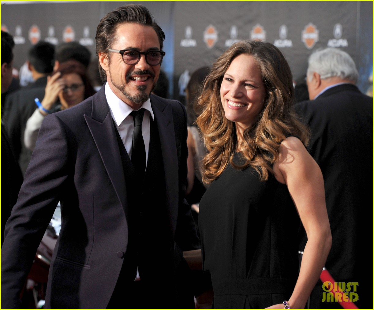 robert downey jr avengers premiere with wife susan 13