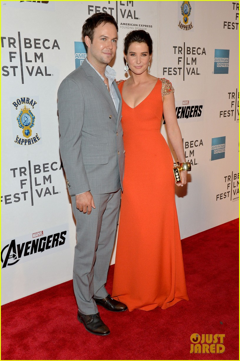 robert downey jr cobie smulders avengers nyc 25