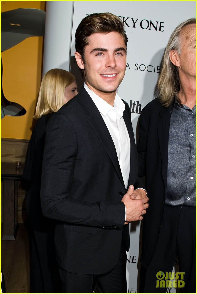zac efron lucky one nyc screening with taylor schilling 02