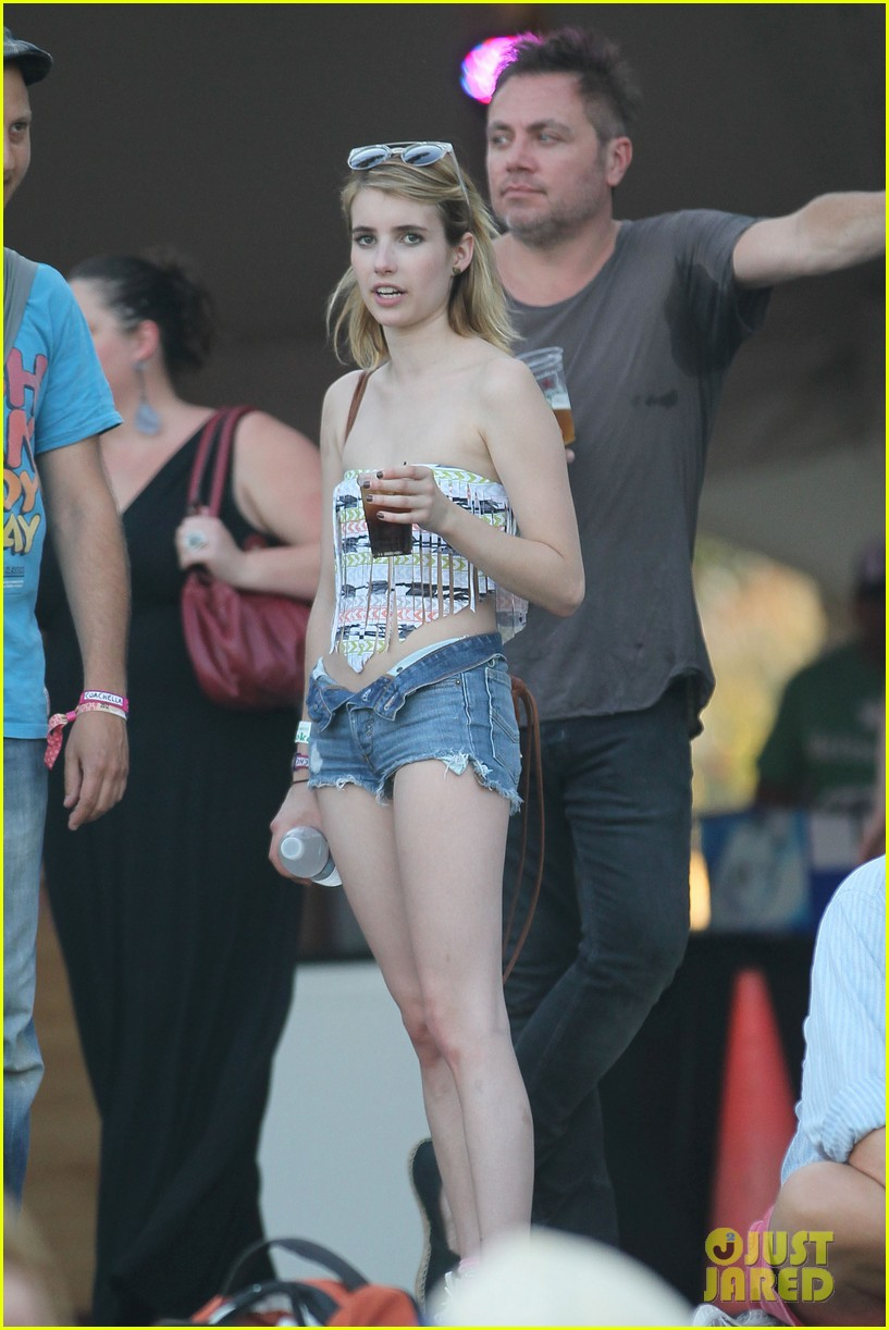 emma roberts coachella day three 09