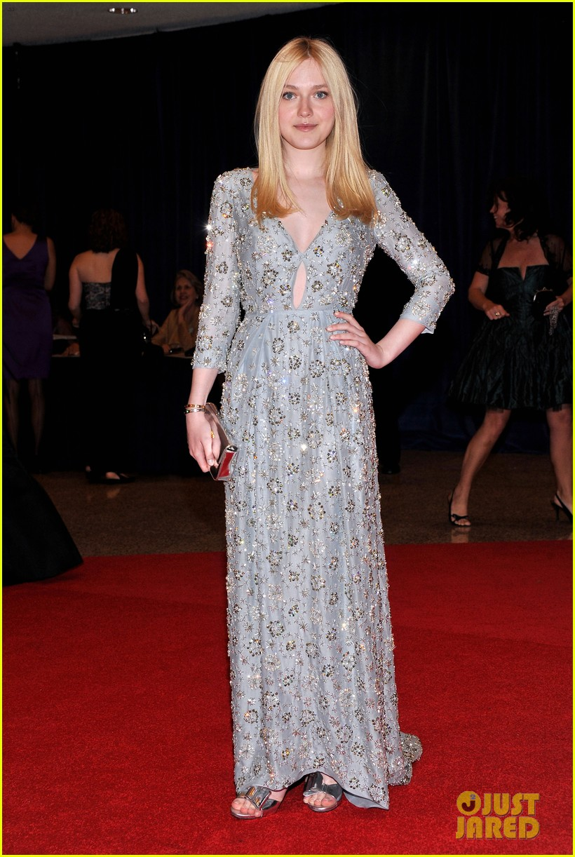dakota fanning white house correspondents dinner 01