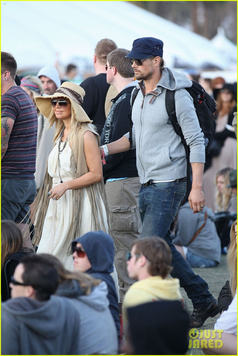 fergie josh duhamel coachella couple 06