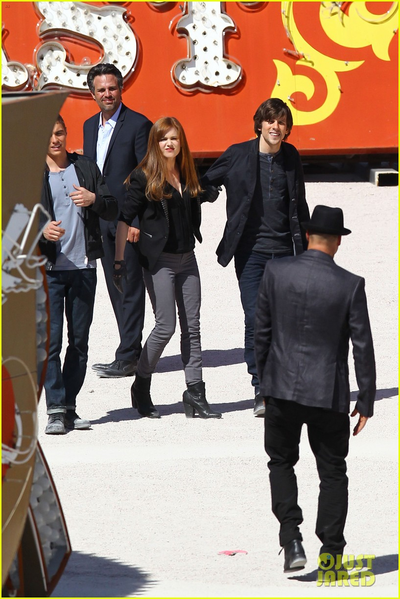 isla fisher now you see me with woody harrelson 04