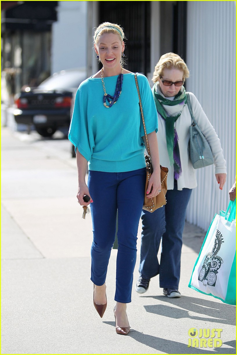 heigl shopping with mom 05