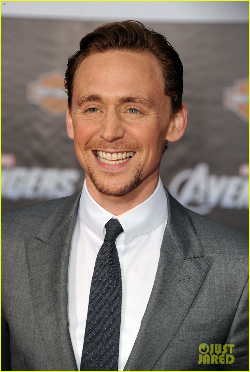 tom hiddleston cobie smulders avengers premiere 042647891